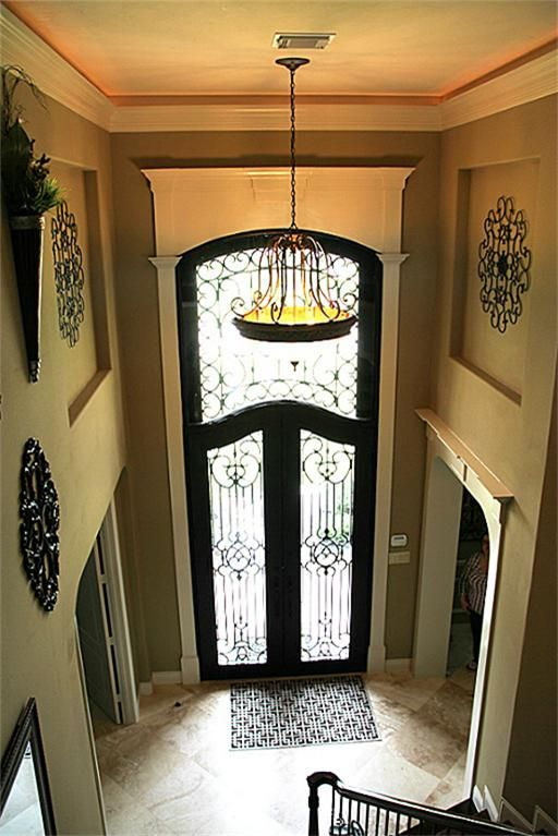 Gorgeous Entry Into A Home Diagonal Travertine Flooring