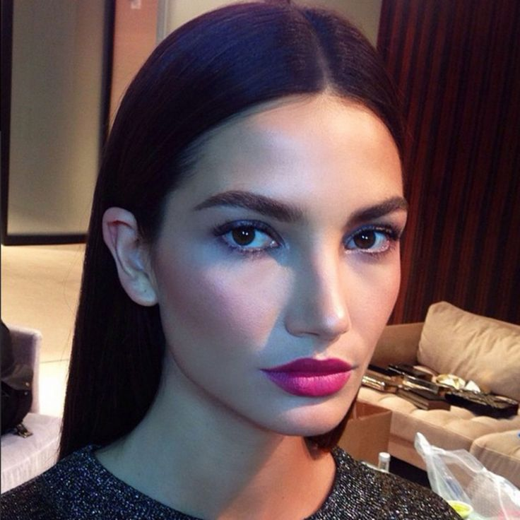This Lip Color on Lily Aldridge is STUNNING. Here's What She's Wearing | Lipstick | Hung Vanngo