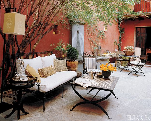 Patio decorating ideas for an outdoor living room #terraceinspiration #homedecor