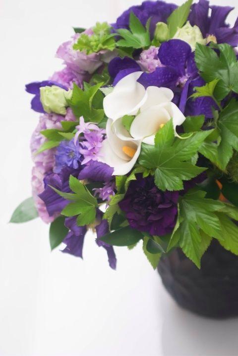 bouquet. purple & white.
