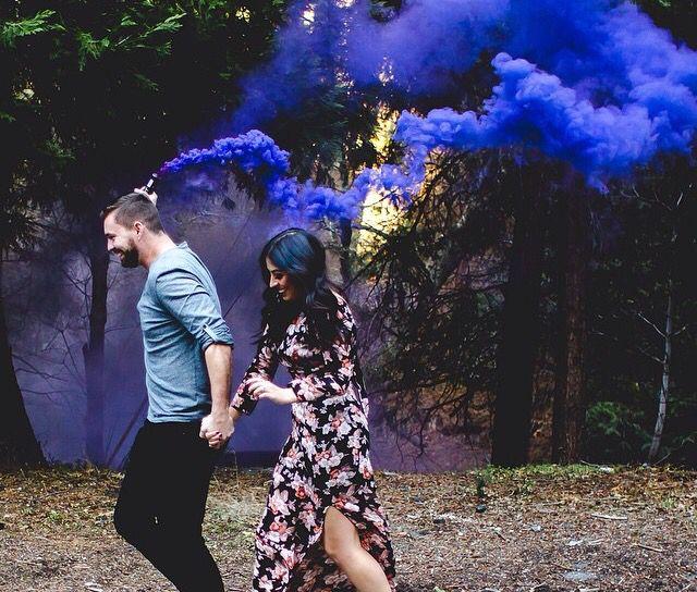 Smoke bomb engagement and wedding photos idea
