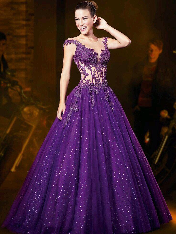 Vestido de 15 años color violeta