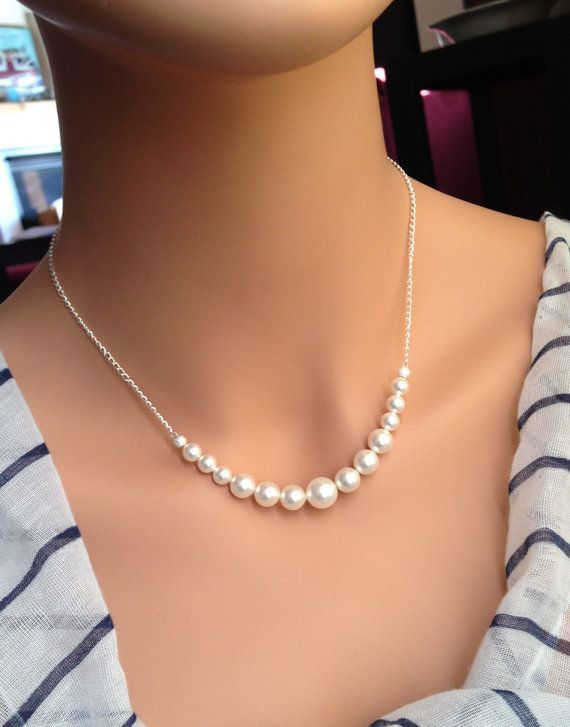 Set of 7 Bridesmaid Pearl Necklaces, Bridesmaid Backdrop Necklaces, Graduated Pearl Necklaces 0237