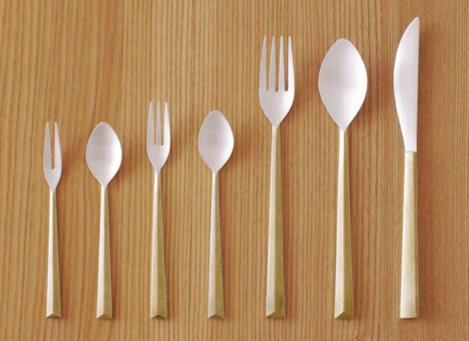 We love the pared-back design of this brass cutlery set by Japanese designer Oji Masanori of Oji & Design. Featuring elegant, diamond-shaped handles and silver plated tips, the set is made in collaboration with metal workers at Futagami in Toyama-Takaoka City.