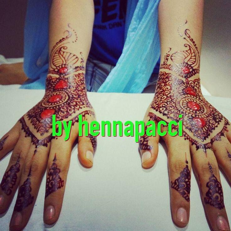 ALHAMDULILLAH... Hennawedding done... @GRANDCITYHOTEL  #henna #hennaart #hennamakassar #hennaartismakassar #mappacci #hennaartist #hennatattoo #mahendi #onthespot #hennawarnawarni #hennabyhennapacci #hennapacci #hennapainting #hotel #grandcityhotel #today #handpaint #instamoment #instalike #instafashion #iphonesia #beautyful