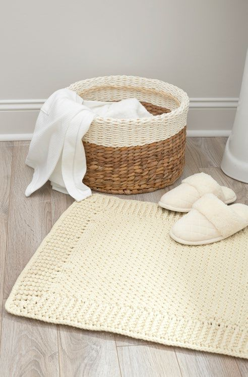 Free Home Spa Bath Mat Crochet Pattern from www.RedHeart.com ~ for single or double vanity ~ FREE - CROCHET