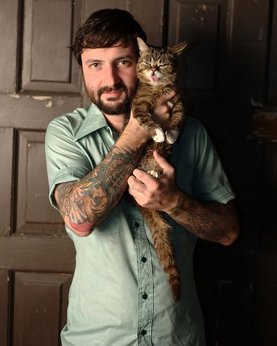 Lil Bub. I would marry his person.