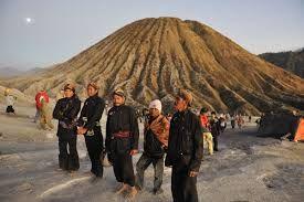 Paket Wisata Gunung Bromo 2 hari 1 malam adalah paket tour nya 2 hari 1malam di Gunung Bromo dan Paket Liburan Bromo atau Wisata Ke Bromo