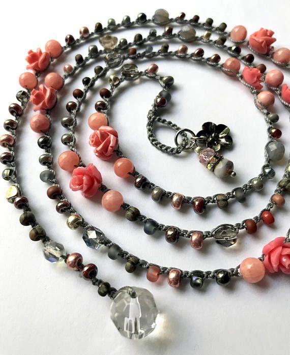 Rosa all'uncinetto rosa bracciale / collana gioielli