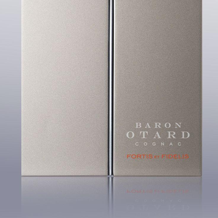 Baron Otard Box Close Up
