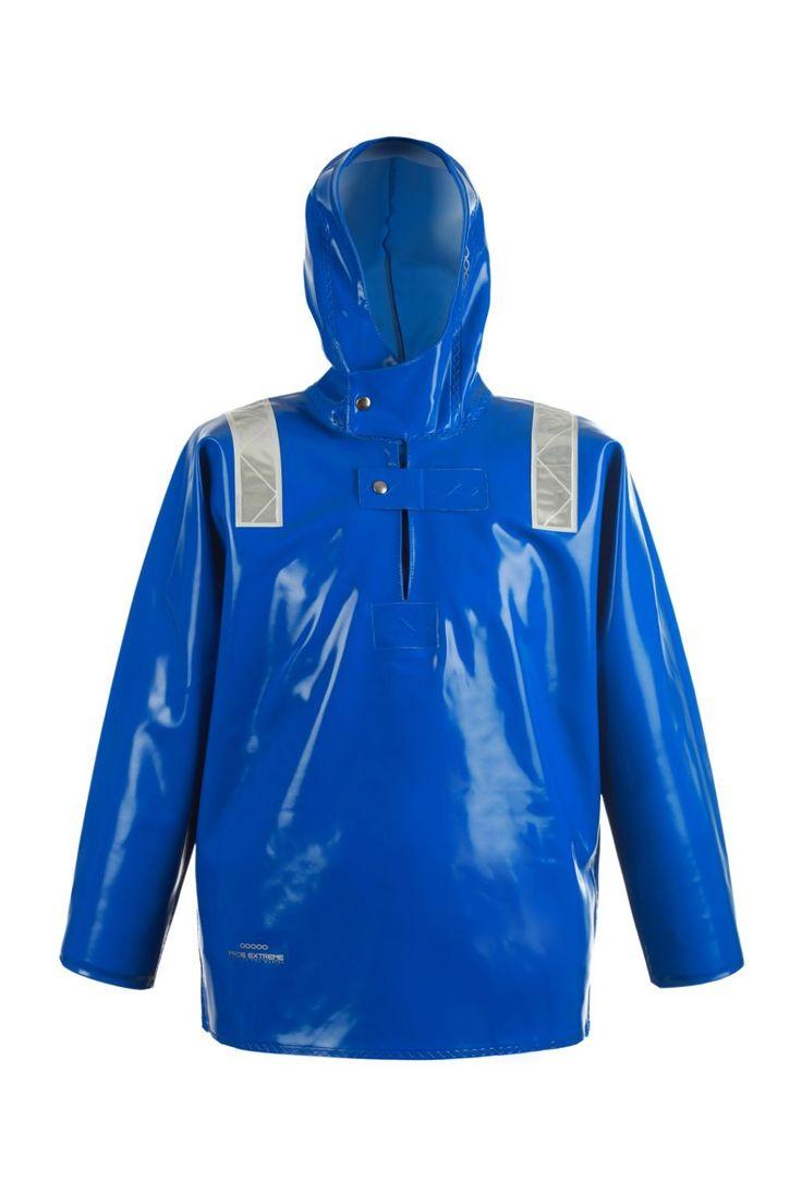 KURTKA KANGURKA WODOOCHRONNA Model: 3066  Zakładana przez głowę kurtka typu kangurka produkowana z bardzo wytrzymałej tkaniny Opalo. Tkanina ta charakteryzuje się wysoką odpornością na słoną wodę. Produkt dedykowany jest szczególnie pracownikom wykonującym ciężkie prace rybackie w ekstremalnie trudnych warunkach na morzu, zapewniając ochronę przed silnym wiatrem i deszczem.