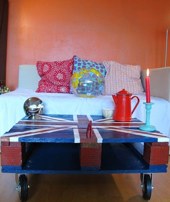 union jack pallet coffe table: Coffee Tables, Woods Pallets, Wooden Pallets, Pallets Tables, Memorial Tables, Pallets Ideas, Creations Crafts, Pallets Projects, Union Jack
