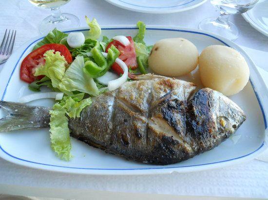 Fábrica da\o Costa is een visrestaurant aan de Ria Formosa met heerlijke cataplanas