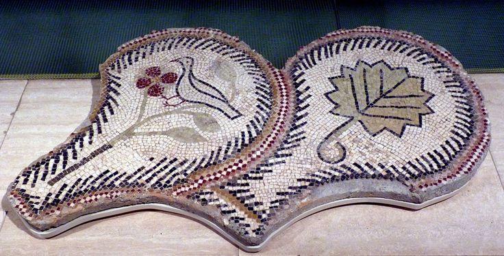 Museu d'Arqueología de Catalunya (Barcelona, España). | by Rafael del Pino.  Cultura romana. S. IV d.C. Villa del Romeral (Albesa, Lérida)   Opus tessellatum Roman culture. 4th century A.D. Villa del Romeral (Albesa, Lérida, Spain)