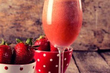 Erdbeer-Sekt-Smoothie Rezept