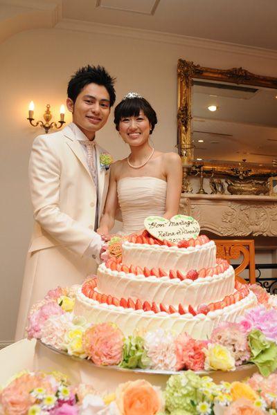 かわいらしい二人にうっとり!結婚式で真似したいケーキカットアイデア一覧♡ウェディング・ブライダルの参考に!