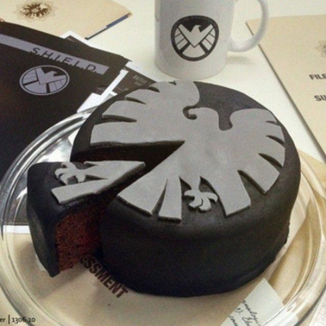 Agents of SHIELD cake on @homegeekonomics on @nerdist
