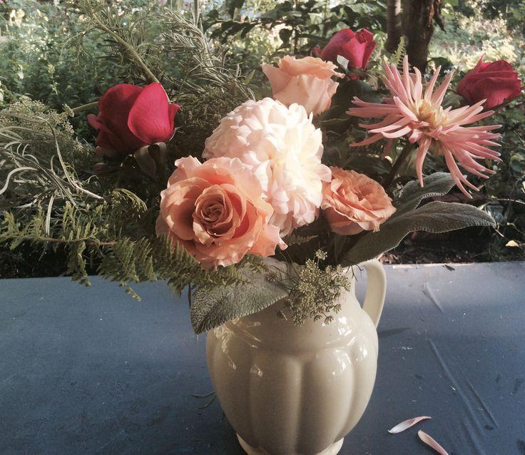 Vintage Wildwood a Flowers: peachy tones in Grandmas kettle. Dahlias, roses, Queen Anne Lace, Fern...
