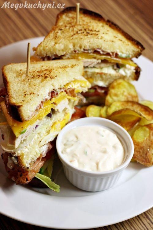 toustový chléb - Club sandwich