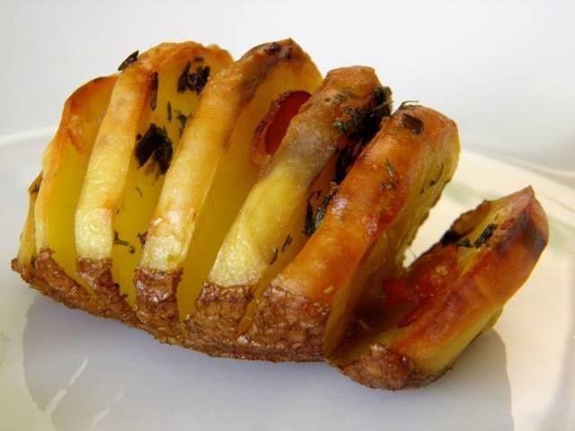 Πατάτες ακορντεόν γεμιστές η τέλεια γεύση!! ~ ΜΑΓΕΙΡΙΚΗ ΚΑΙ ΣΥΝΤΑΓΕΣ
