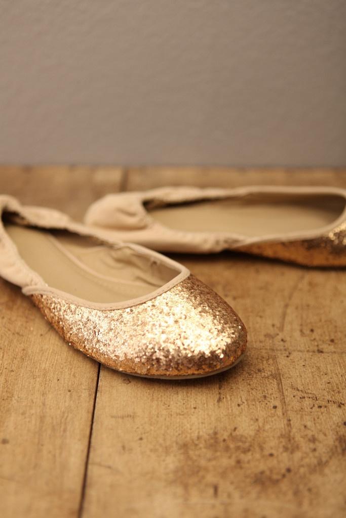 Sparkle!: Charms Confetti, Gold Glitter, Confetti Flats, Gold Flats, Wedding Shoes, Flats Shoes, Sparkle Flats, Ballet Flats, Glitter Flats