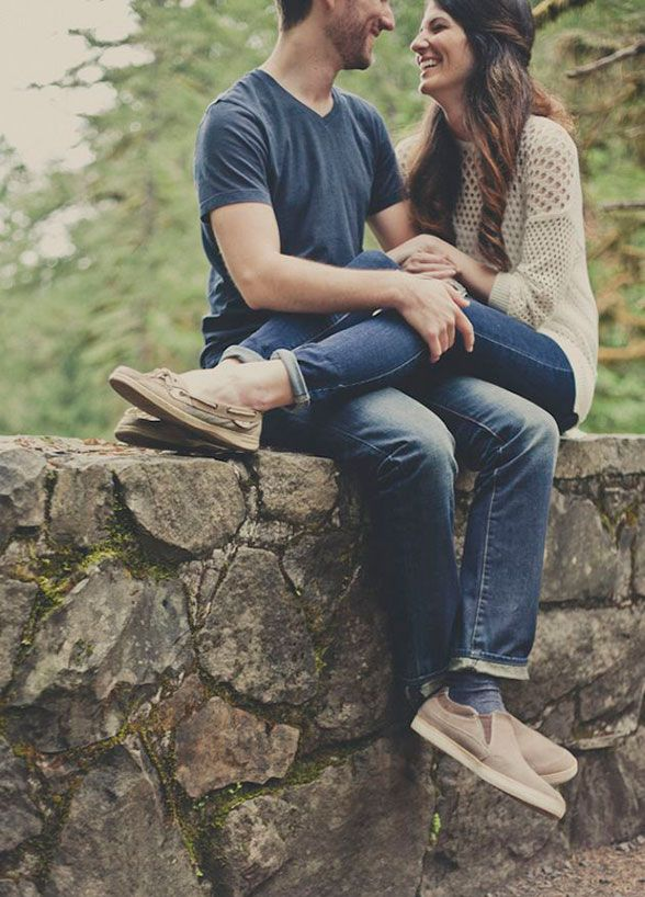 4. Snuggle Up – Get wrapped up in each other! Cuddle up for the camera, being oh-so-close will let your love shine effortlessly. Engagement Photos, Couple Photo Ideas
