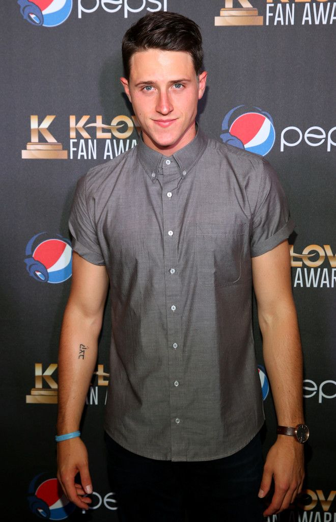 Shane Harper Photos - 2nd Annual KLOVE Fan Awards At The Grand Ole Opry House - Arrivals - Zimbio
