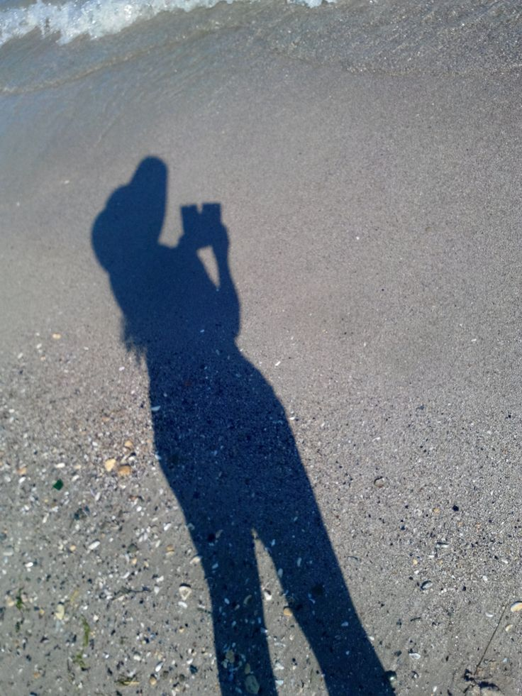 my shadow on the sand #shadow #selfie #sand