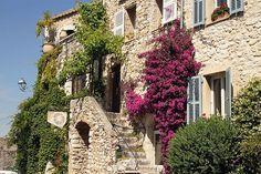 """Un pueblo """"arca medieval"""" por demás de pintoresco y amurallado a un paso de Cannes (Sant-Paul-de-Vence, Costa Azul) - 101 Lugares increíbles"""