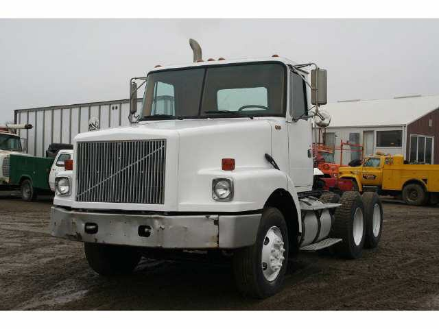 1991 WHITE GMC Tractor Truck without Sleeper for sale 1992 WHITE GMC Tractor Truck without Sleeper for sale #truck #GMC http://www.equipmentready.com