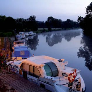 Location de bateau sur la Loire en Anjou Val de Loire - Bateau sans permis