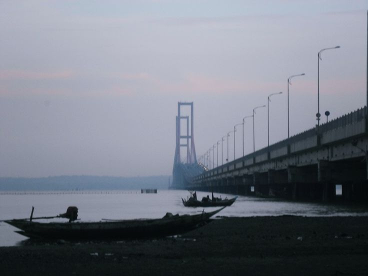 Suramadu Bridge - East Java !  Wanna try guys ?