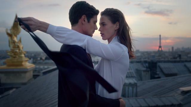 Yves Saint Laurent  perfumery Mon Paris EDP  Чувственное воплощение современной любви, вдохновленное Парижем