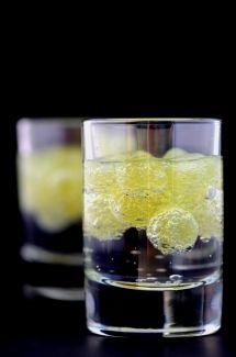 Perles d'alcool fort   Cuisine Moléculaire
