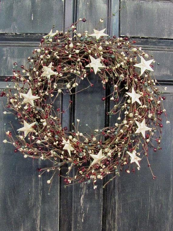 Het kerstgevoel begint al bij de voordeur, waar je met een mooie kerstkrans je huisgenoten en gasten verwelkomd.
