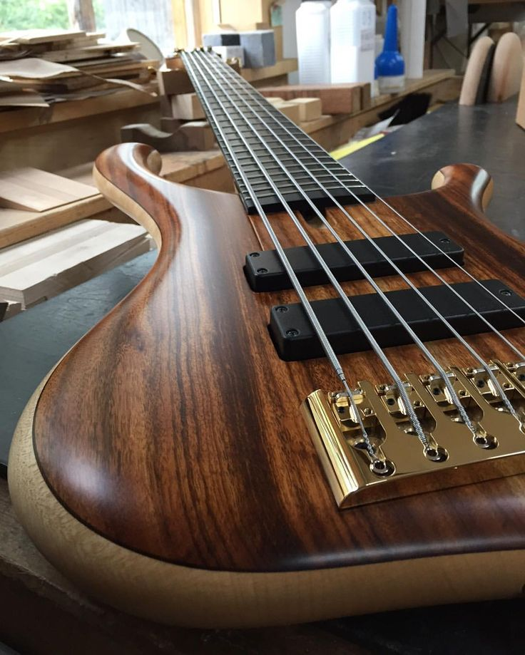 Gerald Marleauxさん(@marleaux_bassguitars)のInstagramアカウント: 「A little tease for this beautiful Consat 6-string #marleaux #marleauxbassguitars #bass #bassguitar…」