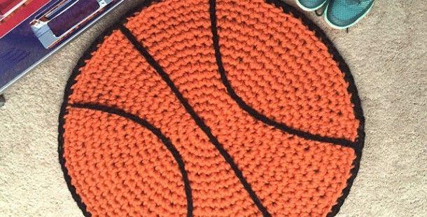 Örgüden Basketbol Topu Kilim