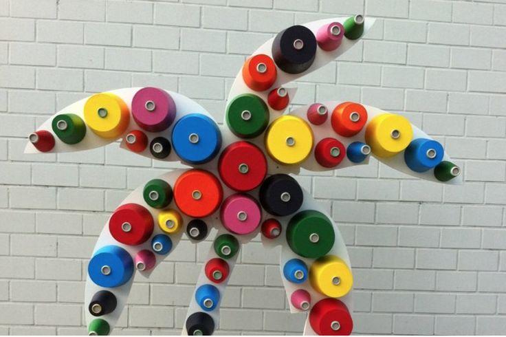 Graphica. – Installazione in polistirolo colorato a base acqua