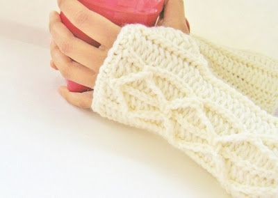 Crochet Dreamz: Adeline Fingerless Mitts or Arm Warmers, Easy Crochet Pattern with Faux Cables ( Free Pattern)  ✿⊱╮Teresa Restegui http://www.pinterest.com/teretegui/✿⊱╮