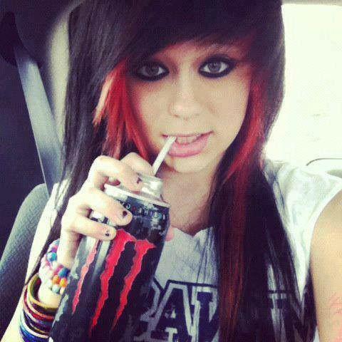 Emo girl with black and red hair | Emo | Pinterest