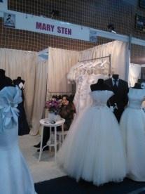 Targul de nunta Ghid Mariaj 2013 Iasi - Rochii de mireasa Mary Sten 2