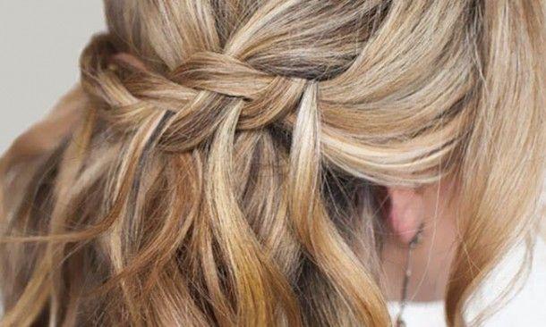 Şelale Saç Modeli Nasıl Yapılır http://www.makyajtelevizyonu.com/kategoriler/sac-modelleri-video/dalgali-sac-modelleri