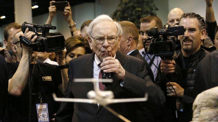Warren Buffett's incredible cash pile has hit an all-time peak