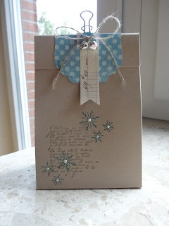 Lovely wrapping idea!!!