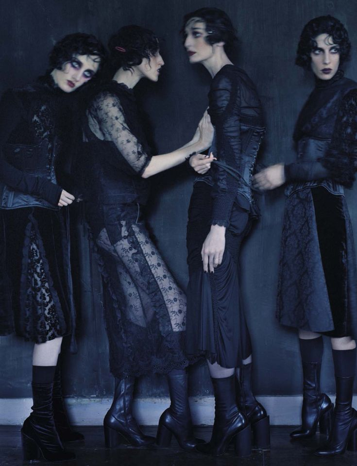 Anna Cleveland, Christina Carey, Erin O'Connor, Jamie Bochert by Tim Walker for Vogue Italia December 2015 11