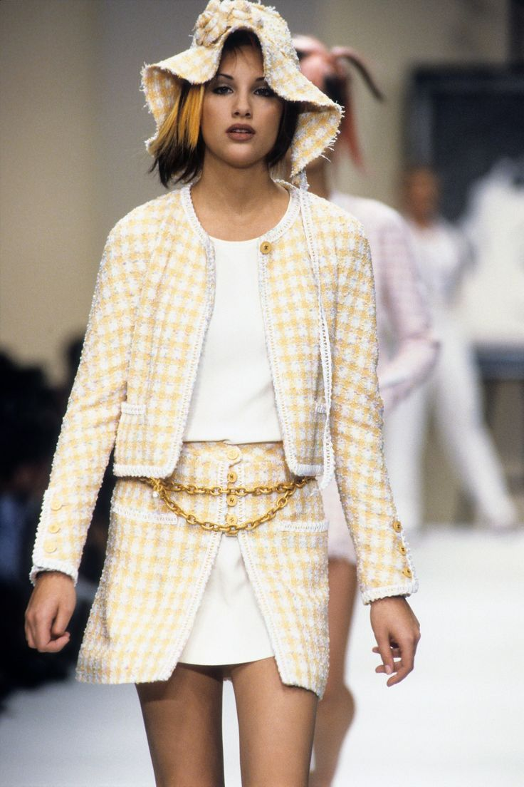 Chanel Spring 1994 Ready-to-Wear Fashion Show | Chanel ...