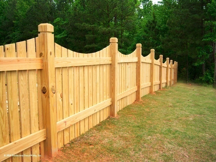fence how to build a wooden fence yard wooden fence wood fence design privacy fences. Black Bedroom Furniture Sets. Home Design Ideas