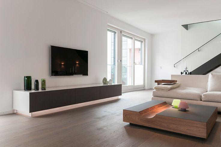 Edles TV Sideboard mit Flachbildschirm im Wohnzimmer  Wohnzimmer  Pinterest
