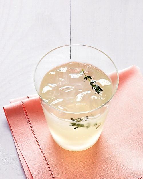 one of my favorite refreshments // Thyme Lemonade