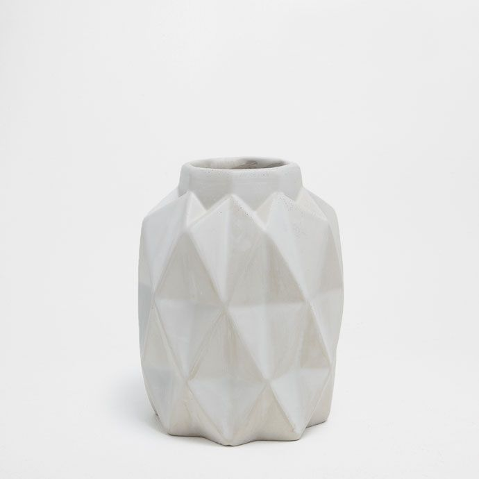 GREY CEMENT VASE WITH GEOMETRIC SHAPES - DECORATIVE ACCESSORIES  - DECORATION | Zara Home Norge / Norway